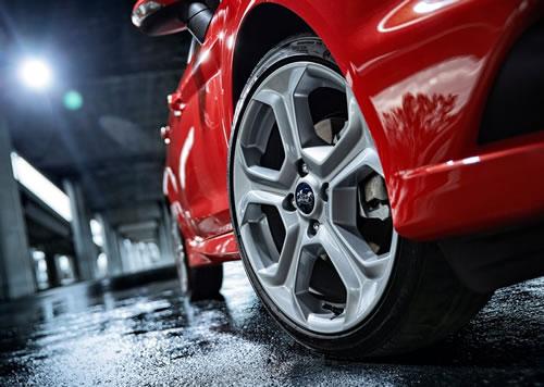 Ford-Fiesta_ST07