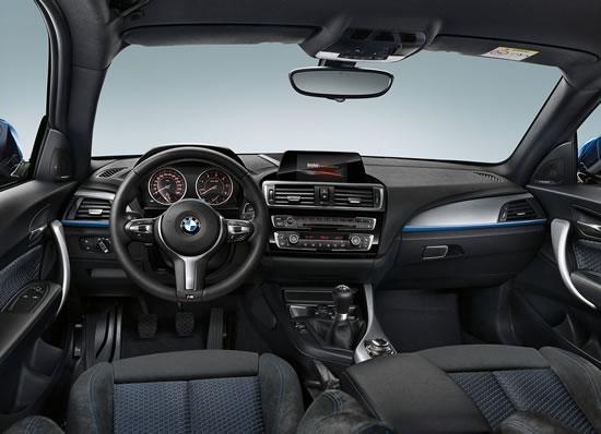 BMW新型1シリーズのインパネ画像、こちらも大きくは変わっていないインパネ、相変わらず機能的だが決してシンプルではなくスイッチ類が結構多い、画像はネット上から拝借