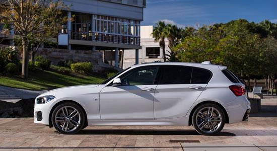 BMW新型1シリーズのサイド画像、サイドも先代とは大きく変わっていないように見える、キャラクターラインが必要最小限で効果的なデザインだ、こうしてサイドから見るとボンネットの長さが強調される、画像はネット上から拝借