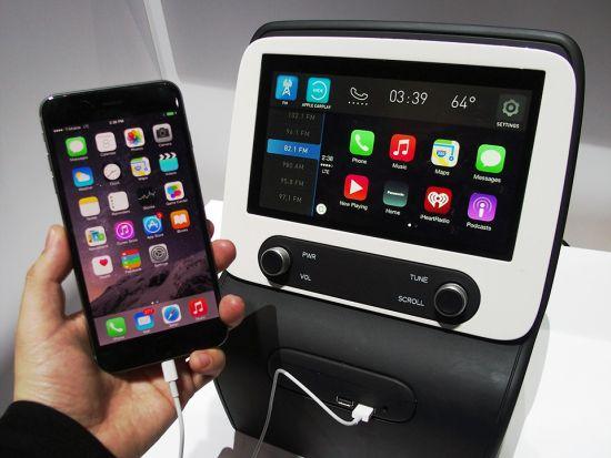 CES2015でのパナソニック端末、スマートデバイスと接続することが前提となっている、これに車両情報が入りその他一般的なアプリが動けば自宅のPC環境とあまり変わらなくなるように思える、後は車両情報のやり取りがスマートにできるかどうかだろう、画像はネット上から拝借