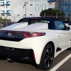 ホンダのS660が出た、気になる価格は198万円くらいか