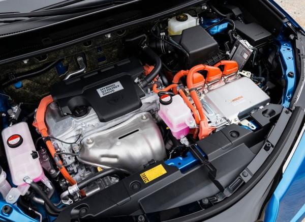 新型RAV4ハイブリッドの2.5L4気筒ハイブリッドエンジン