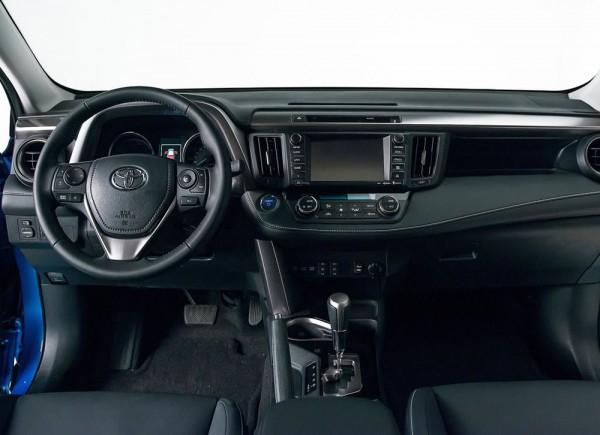 新型RAV4ハイブリッドのインパネ