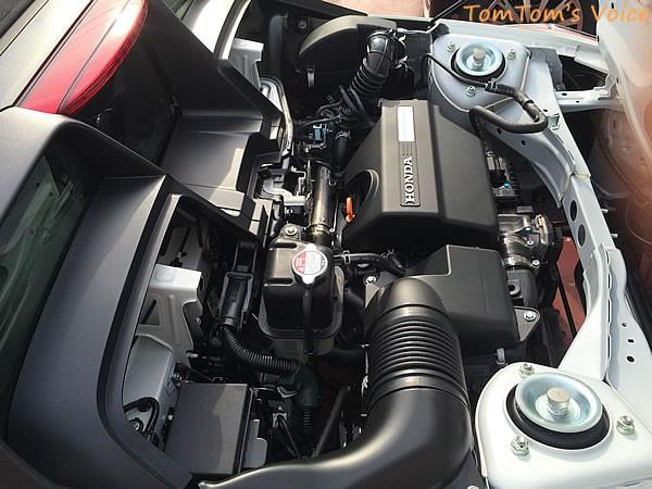 S660のエンジンルーム内の様子