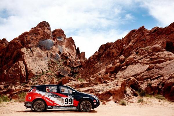 新型RAV4の北米向けラリー仕様車、サイド画像