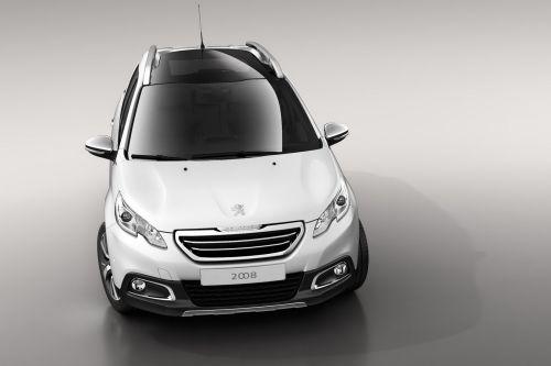 「Peugeot 2008 Crossover」フロント画像その2