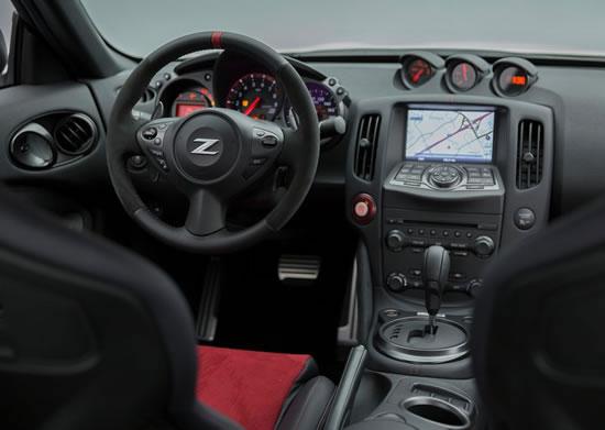 日産「370Z NISMO」インパネ画像