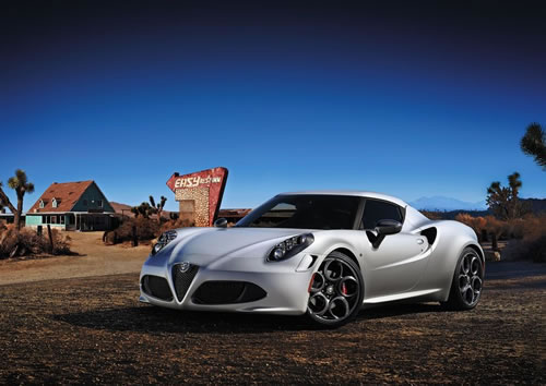 「Alfa Romeo 4C」のフロント斜め画像