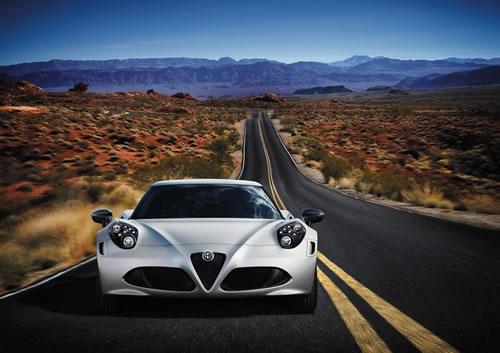 「Alfa Romeo 4C」のフロント画像