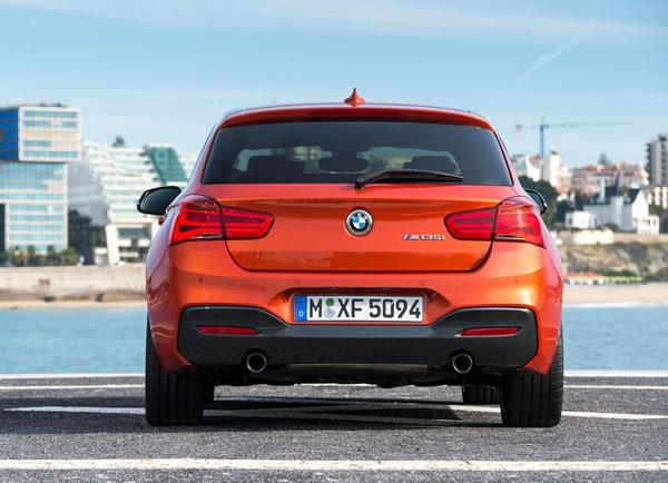 BMW新型M135iリア画像その2