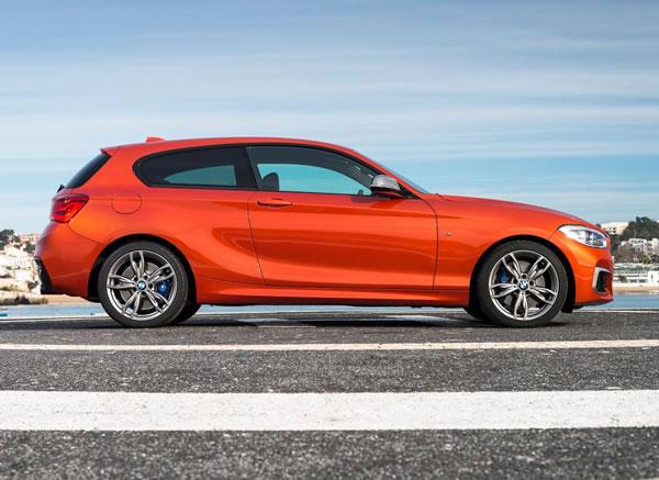 BMW新型M135iサイド画像