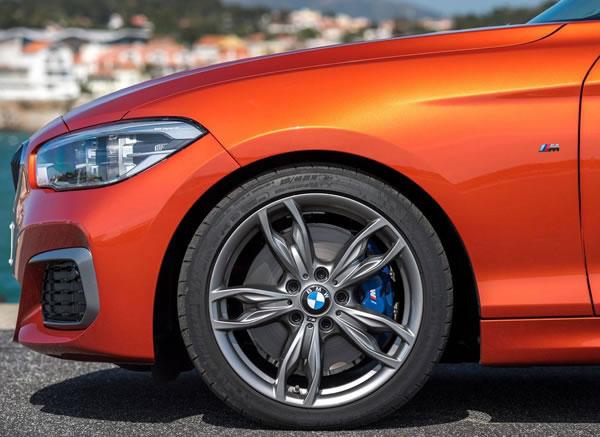 BMW新型M135iフロントホイール画像