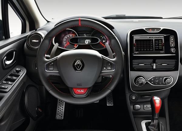 ルノー「Clio RS 220 Trophy EDC」のインパネ画像