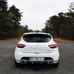 「Clio RS 220 Trophy EDC」のヨーロッパでの発売時期と価格が決まった