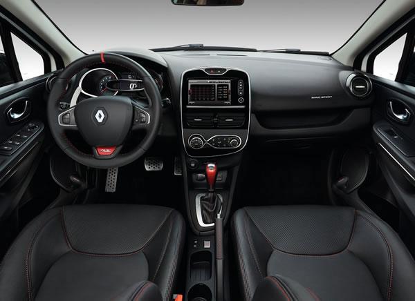ルノー「Clio RS 220 Trophy EDC」のインパネ全景画像