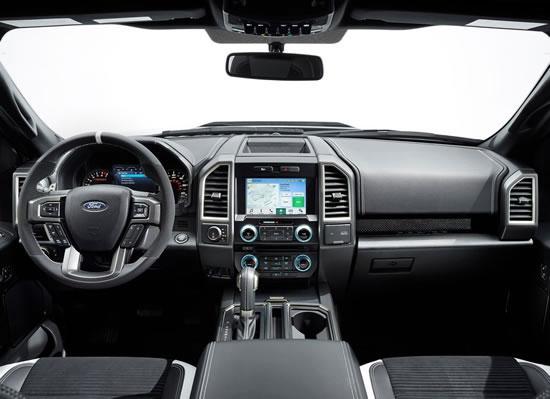 フォード新型「F-150ラプター」インパネ画像