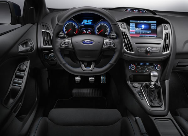 フォード新型フォーカスRSインパネ画像