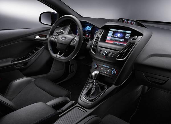 フォード新型フォーカスRSインパネ画像その2
