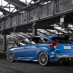 新型フォードフォーカスRSが登場、全輪駆動しかも320PS !