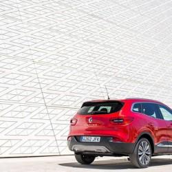 ルノーKADJARがヨーロッパで販売開始、日産エクストレイルと兄弟モデル