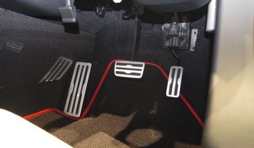 ホンダ「S660」のペダル配置画像