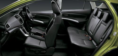 スズキ新型「SX-4 S-CROSS」のシート配置画像