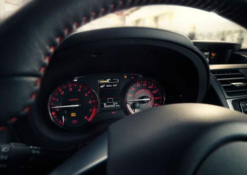 スバル新型「WRX」のメーター部のアップ画像