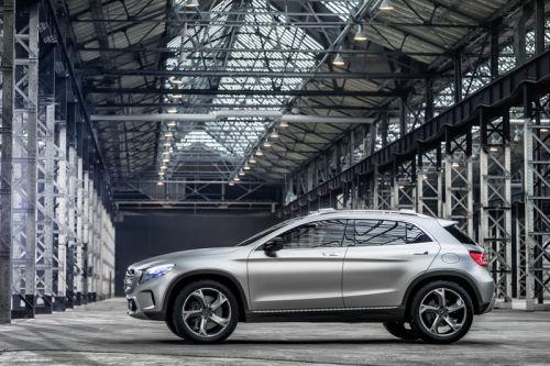 Mercedes-Benz「GLAコンセプト」のサイドからの画像