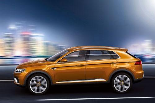 VW「CrossBlue Coupe」のサイドからのショット
