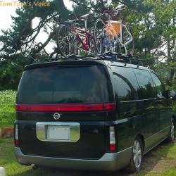 自転車の車載方法について、安全な積載方法はどれか?