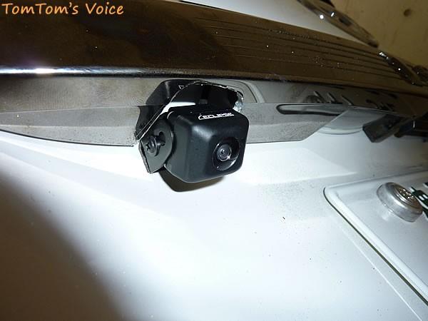 ナビの取り付け作業のバックカメラ設置状態