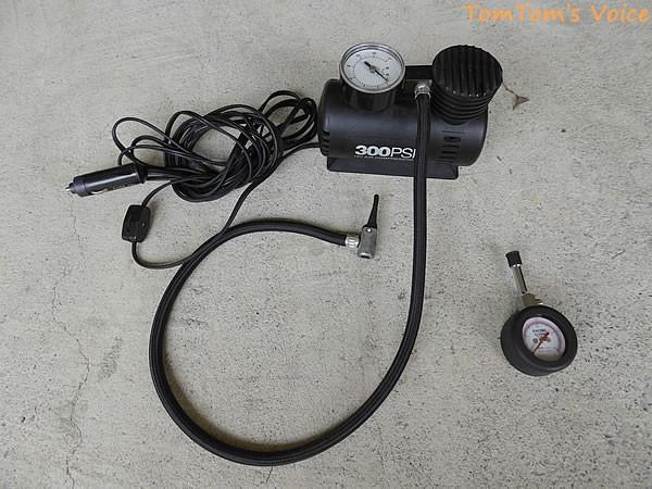 タイヤの空気圧の調整に用いる工具と言うか道具