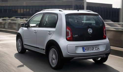 VW「CROSS UP!」のリア画像