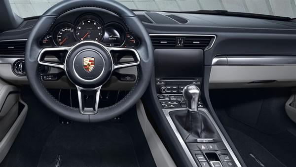 ポルシェ新型911のインパネ画像