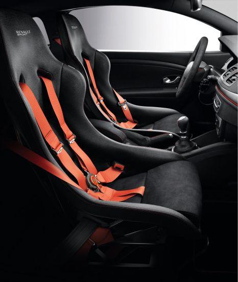 ルノー「メガーヌ RS 275 Trophy-R」のシート画像