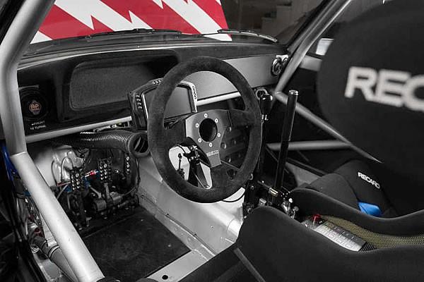ケンブロックの「1978 Ford Escort Mk2 RS」インパネ画像