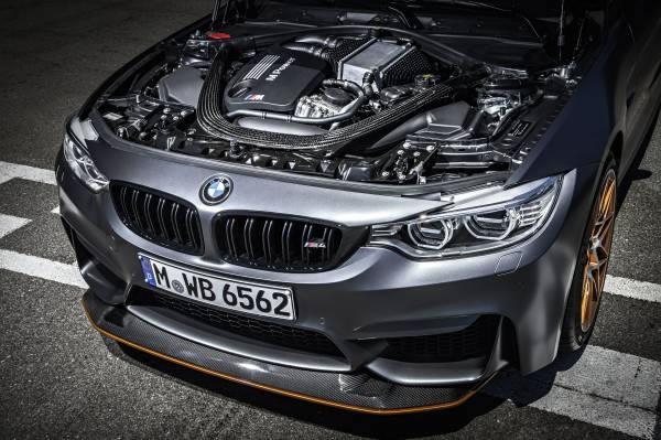 「M4 GTS」のエンジン画像