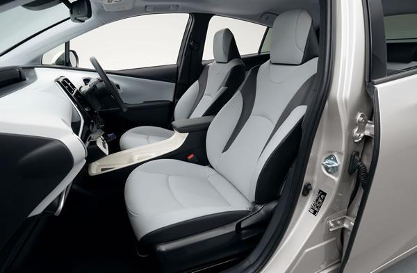 新型プリウス2016のフロントシート画像