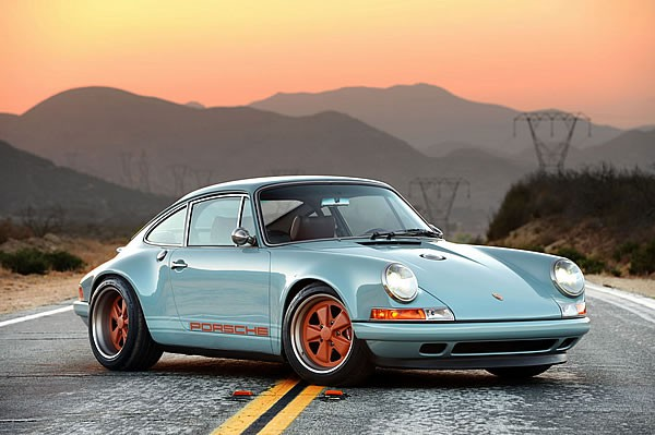 SINGER VEHICLE DESIGNの911フロント画像その2