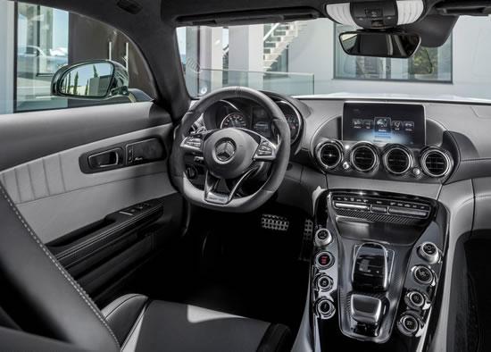「AMG GT」のインパネ画像