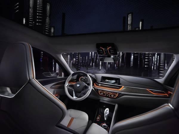 BMW「Concept Compact Sedan」のインパネ画像