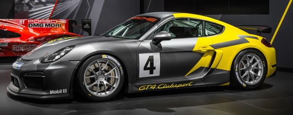 「Cayman GT4 Clubsport」のサイド画像