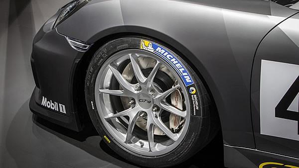 「Cayman GT4 Clubsport」のフロントホイール画像