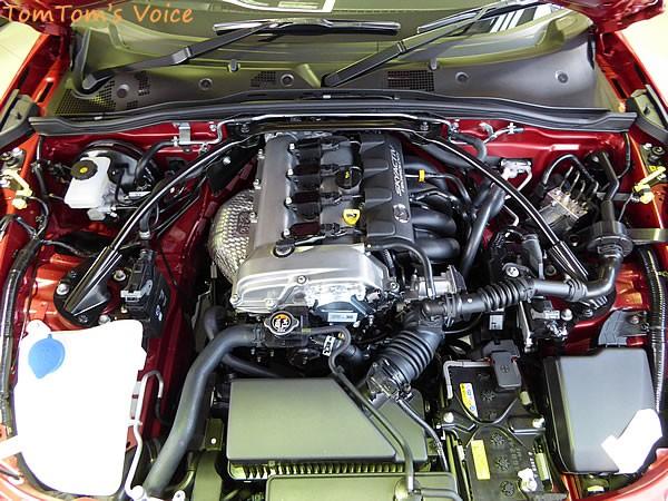 NDロードスターRSグレードのエンジンルーム画像その1