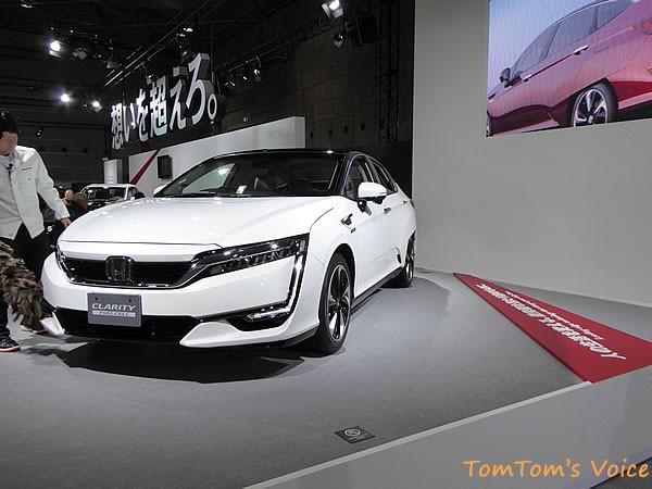 大阪モーターショー2015でのホンダクラリティー フロント画像