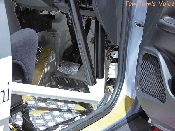 大阪モーター書2015に展示の三菱おアウトランダーPHEV競技車のペダル画像