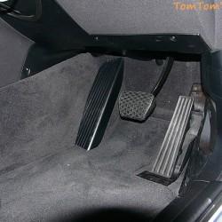 ゴムが好きなんですブレーキペダル カッコの良いカバーの付いたブレーキペダルは滑ってあかん 改めるべきだ