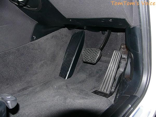 BMW X3のペダルの様子