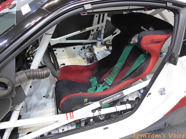 大阪オートメッセ2016でのトヨタGRMN86ニュル仕様車のドライバーシート画像