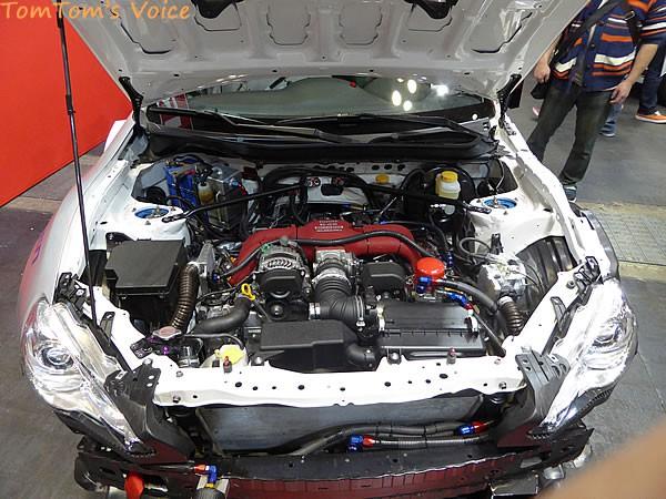 大阪オートメッセ2016でのトヨタGRMN86ニュル仕様車のエンジンルーム画像
